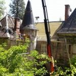 renovation-toiture-chateau-burlet-charpente-avant3-min